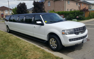 Lincoln Navigator Stretch limousine